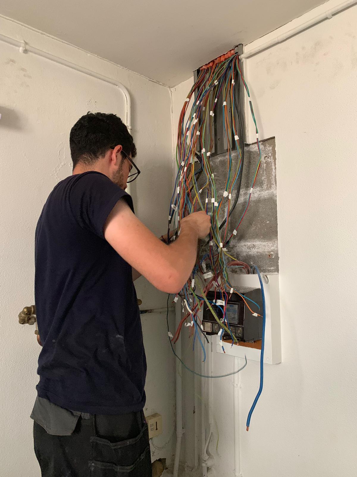 réparation tableau électrique 77600